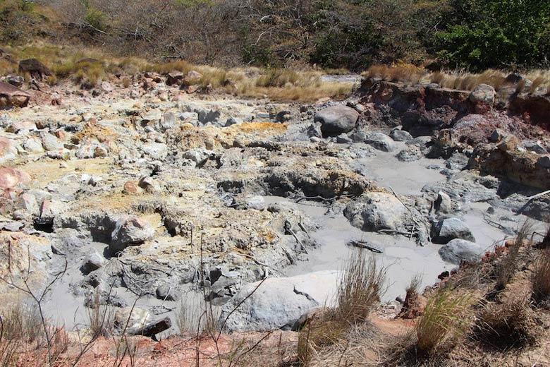 hiking Rincon de la Vieja National Park - boiling mud pot