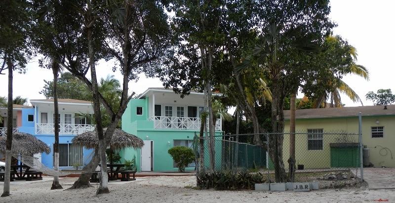 Nassau and Freeport coral beach house hotel