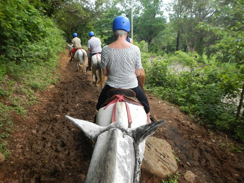 guachipelin combo tour - horseback riding