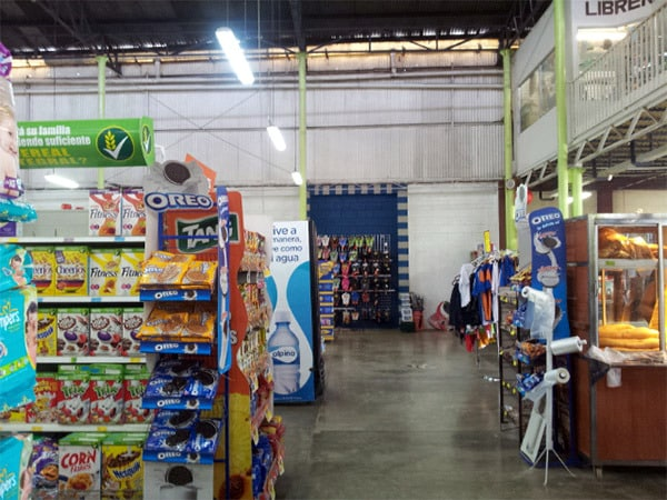 Grocery Stores in Playas del Coco - Super Luperon