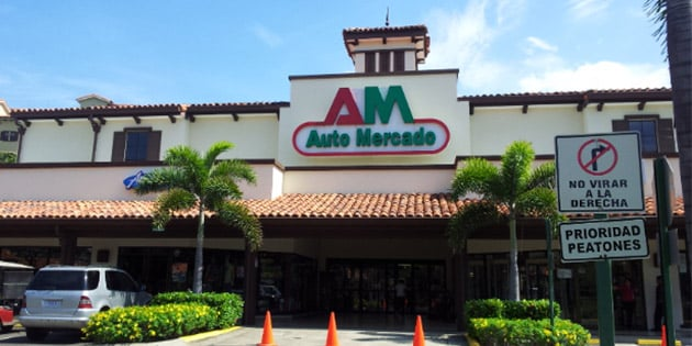 grocery stores in playas del coco