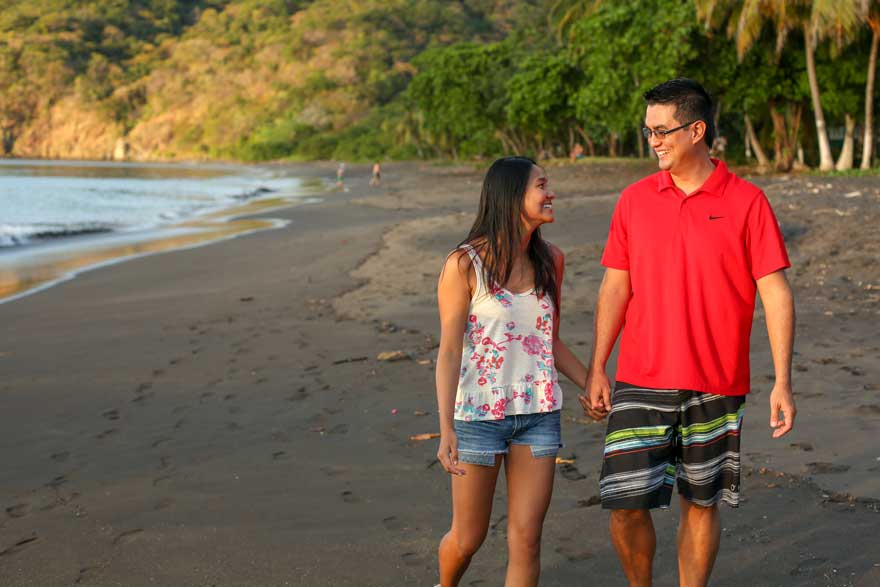 Romantic things to do in Costa Rica - couples portraits