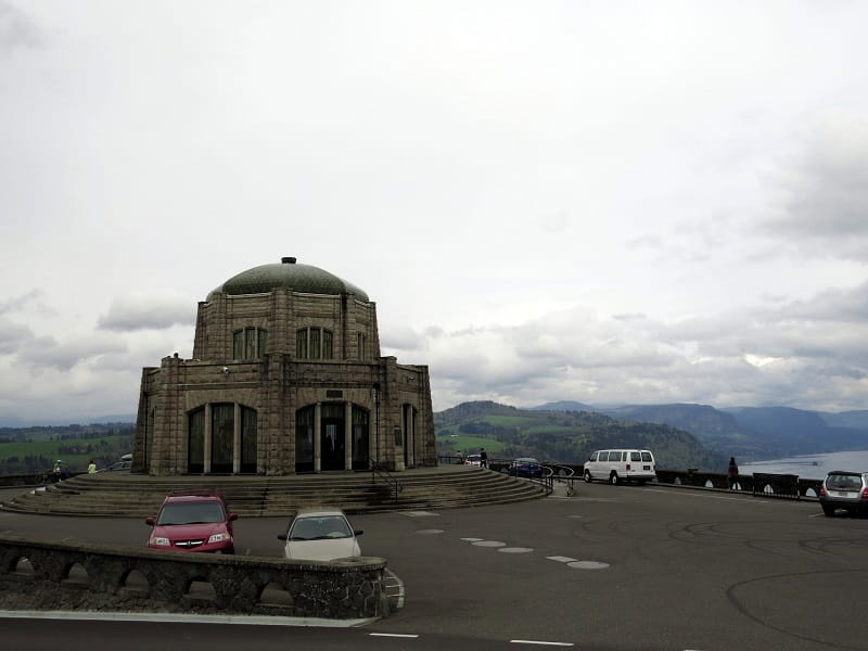 columbia river gorge national scenic area - vista house crowne point