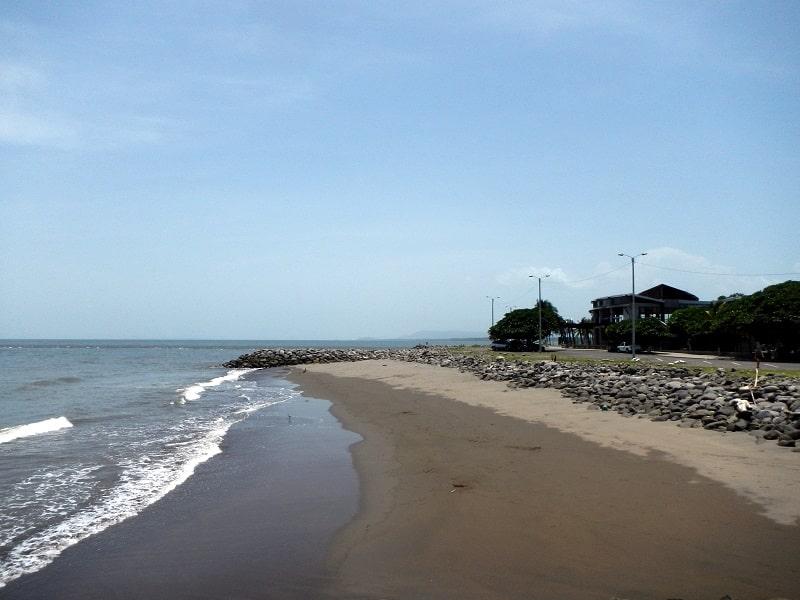 driving around puntarenas beach