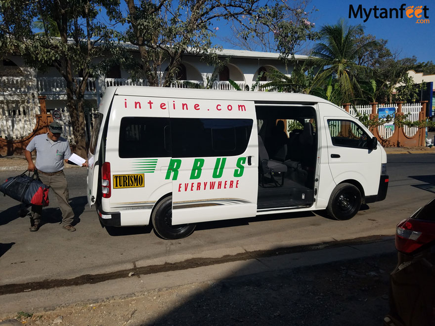 How to get around Costa Rica - shuttles