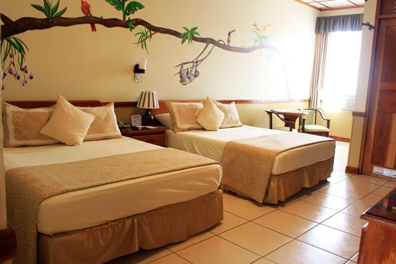 adventure-inn-in-san-jose-our-room