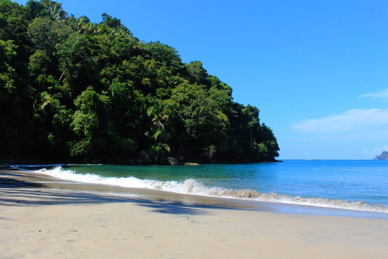 The complete guide to hiking Manuel Antonio National Park - playa espadilla sur