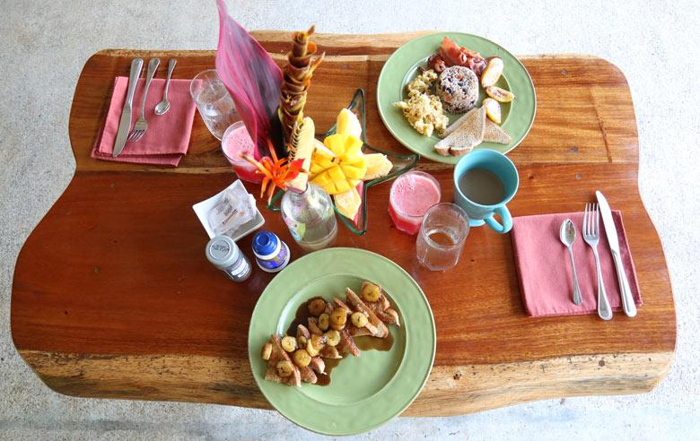 Breakfast at Manoas