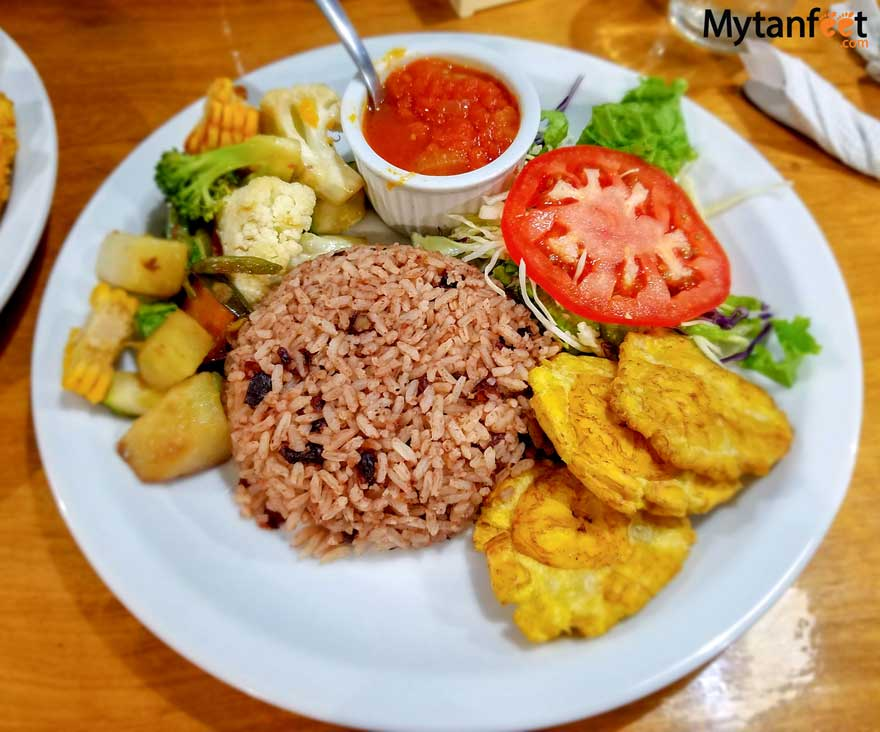 costa rican dishes - rice and beans