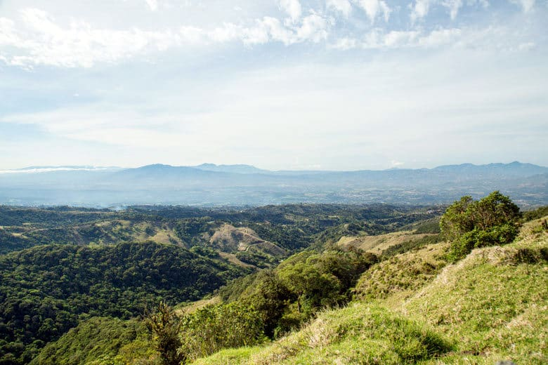 10 reasons to visit the central valley in Costa Rica - beautiful valley views. Taken on the way from Sarchi to Bajos del Toro