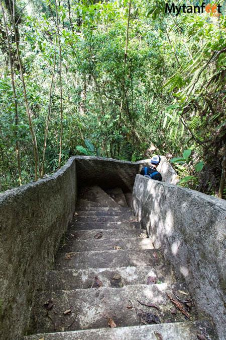 Step going down the toro waterfall