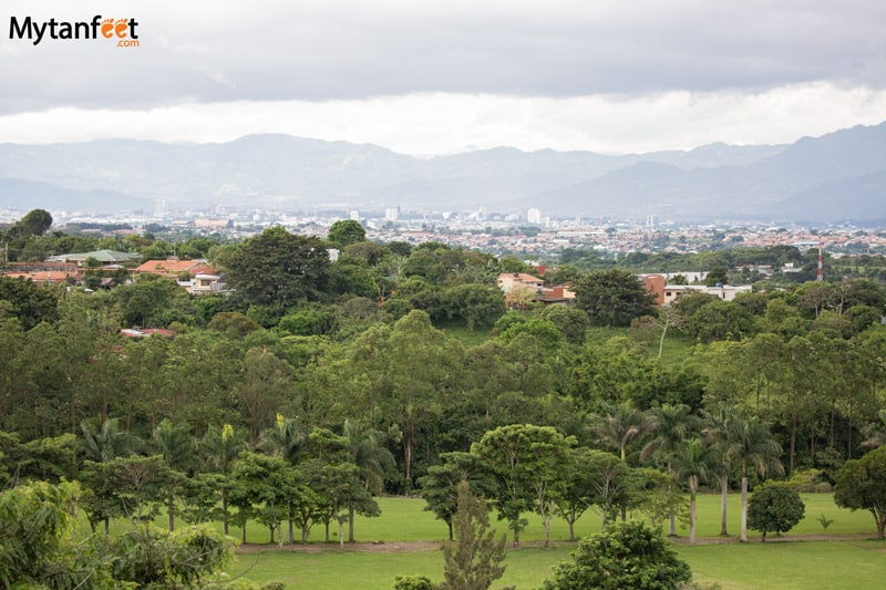 packing for rainy season in costa rica - city