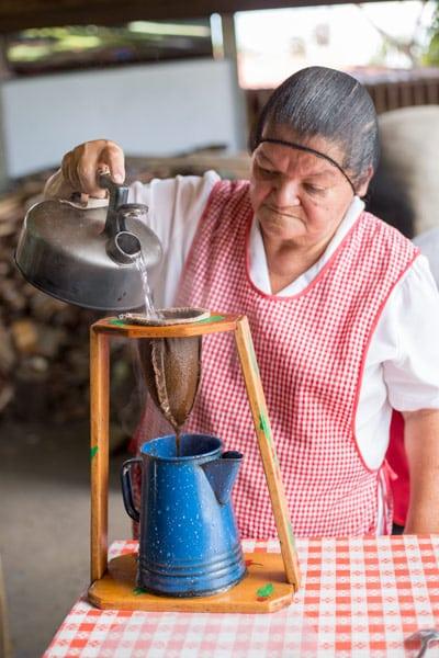 Heredia cultural tour - Coffee making