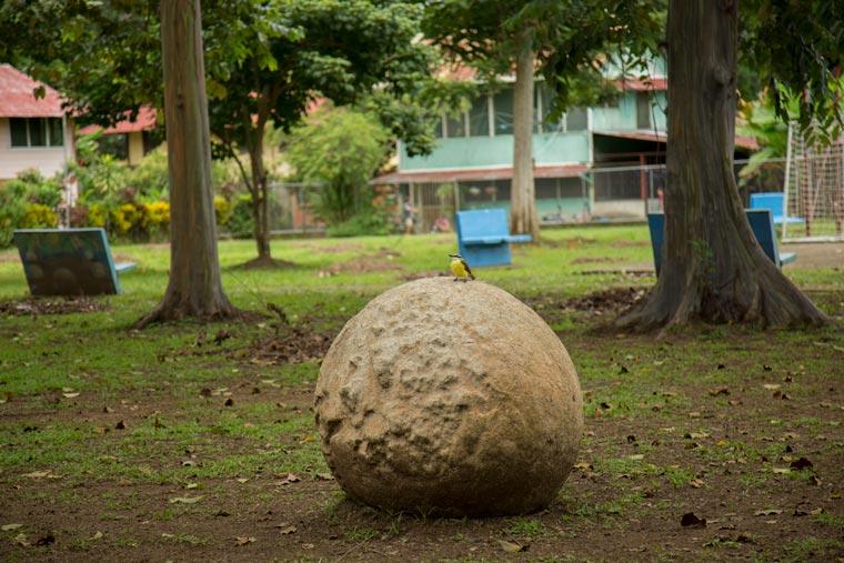 stone spheres in Costa Rica - parque las eferas