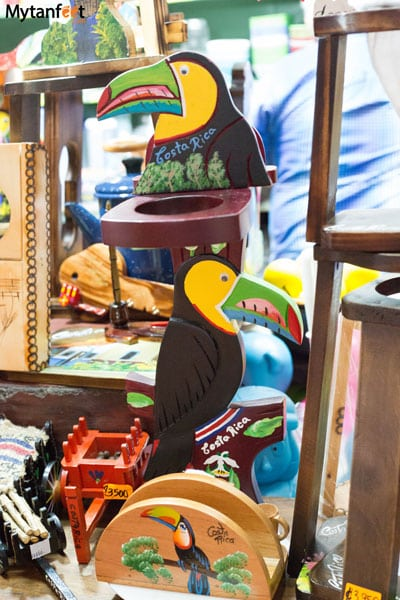 best souvenirs from Costa Rica - souvenirs from Heredia market