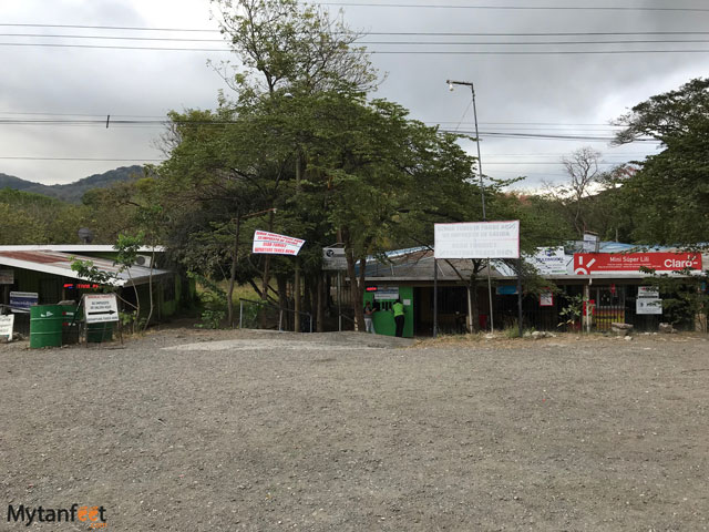 crossing the border between costa rica and nicaragua penas blancas exit tax office