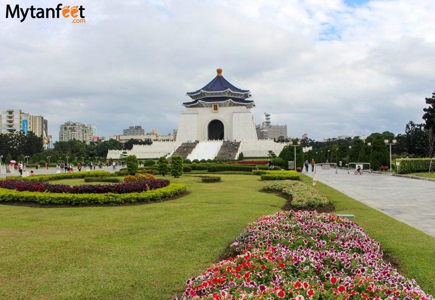 Things to do in Taipei, Taiwan - Chiang kai shek memorial hall