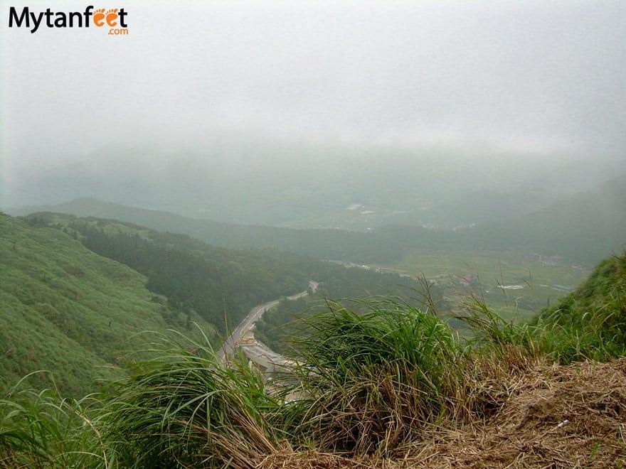 Things to do in Taipei, Taiwan - Hike Yangmingshan mountain