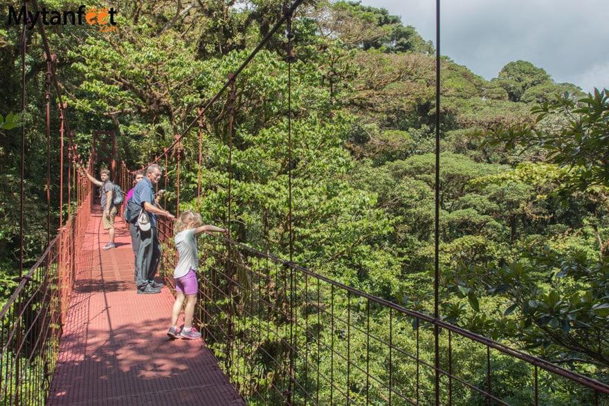 Hiking Monteverde Cloud Forest Reserve - hanging bridges