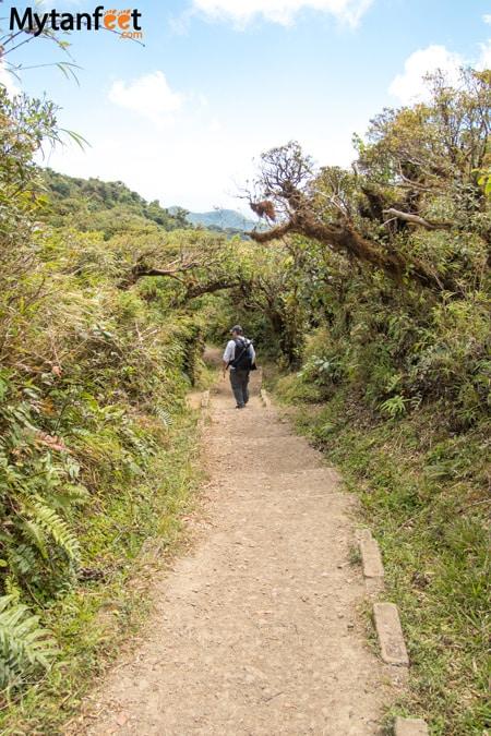 Hiking Monteverde Cloud Forest Reserve - sendero ventana
