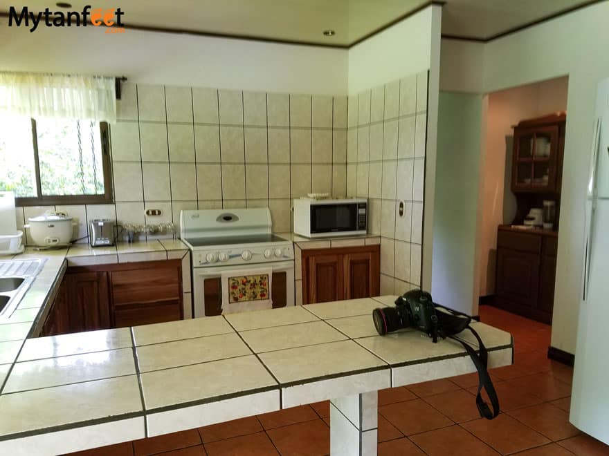 Airbnb in Arenal - kitchen
