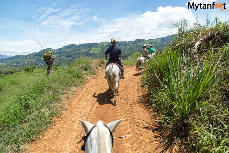 horseback riding in turrialba viewpoints