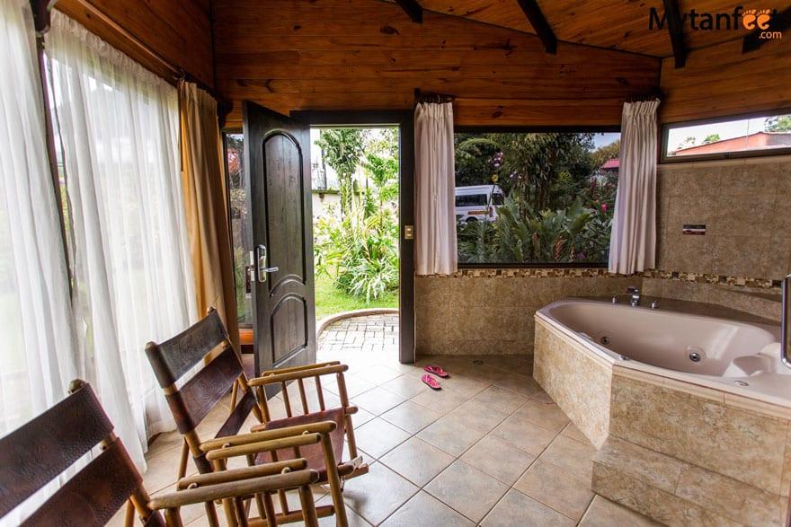 Hotel Montaña De Fuego Junior suite hot tub