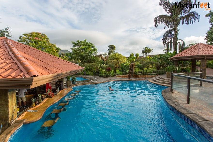 Hotel Montaña De Fuego hot springs and pool