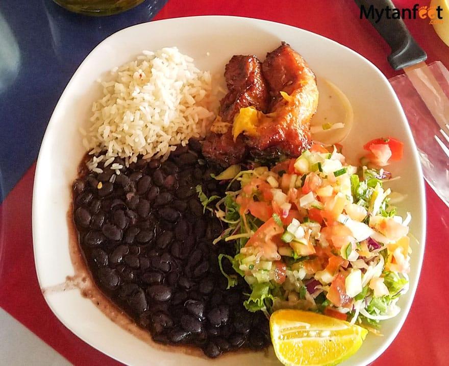 Eating Vegetarian in Costa Rica - vegetarian casado