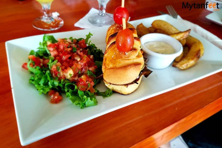 Eating Vegetarian in Costa Rica - veggie sandwich