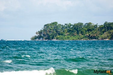 Differences between Caribbean and Pacific coast of Costa Rica - Cahuita