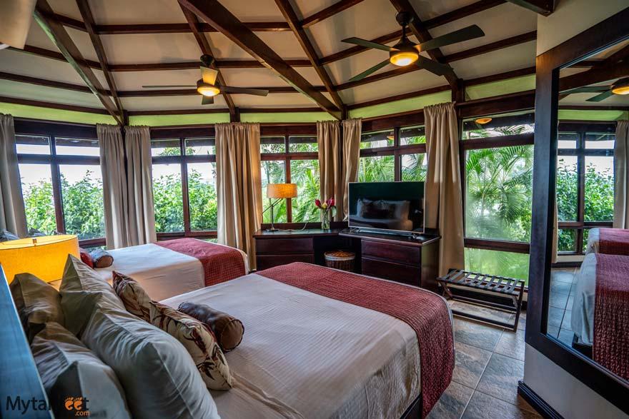 Tulemar premium bungalows bedroom