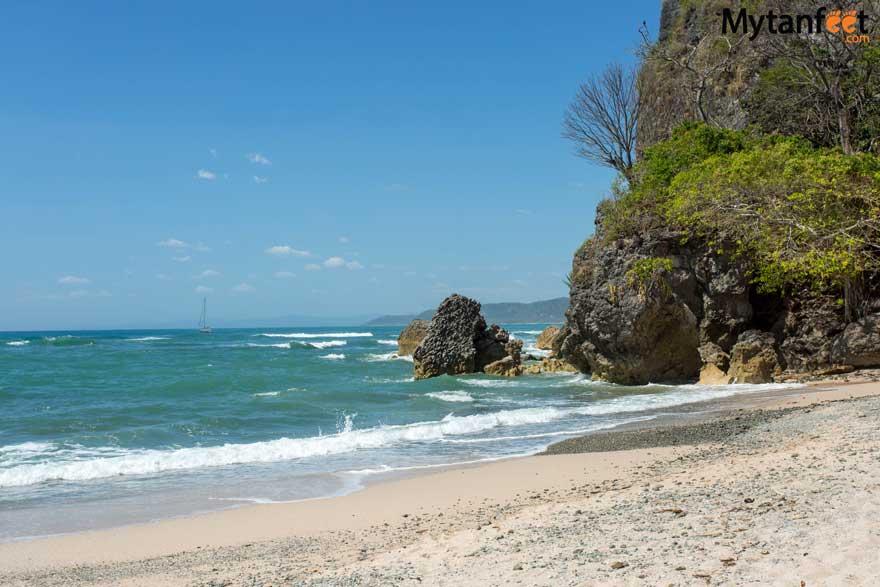 Best white sand beaches in Costa Rica - Playa Cuevas
