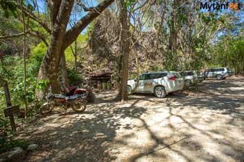 Playa Cuevas Mal Pais parking lot