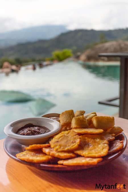 Hacienda Orosi hot springs food