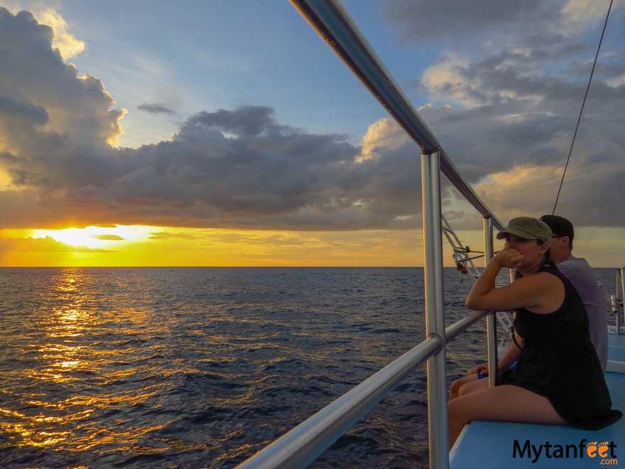 Costa Rica honeymoon itinerary - sunset sailing things to do