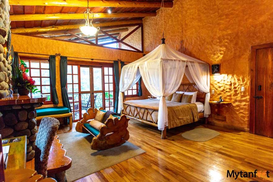 peace lodge room