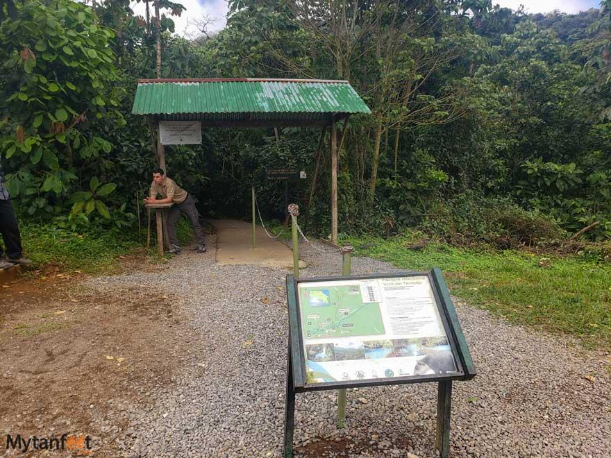Rio Celeste entrance