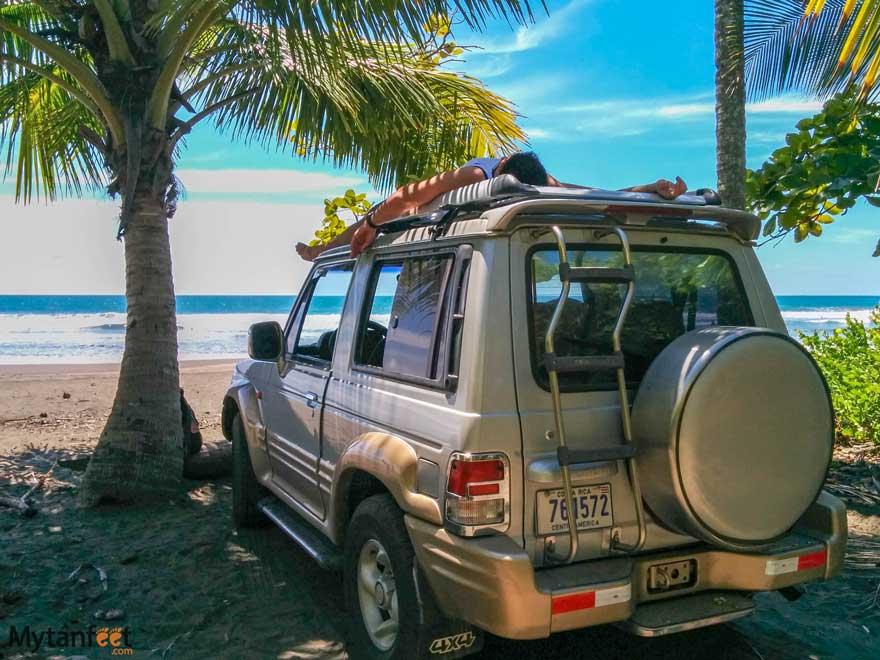 playa linda Costa Rica - hidden beach by Dominical
