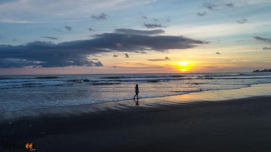 playa marbella sunset