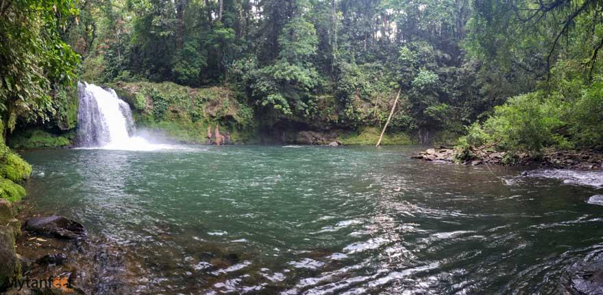 Catarata waterfall poza azul
