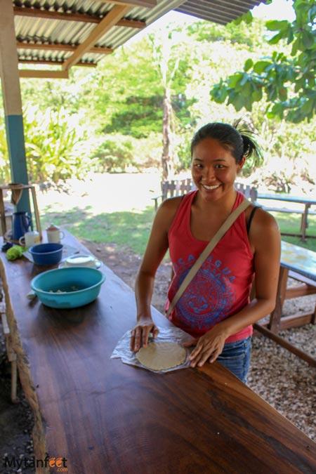 Hacienda El Viejo making tortillas