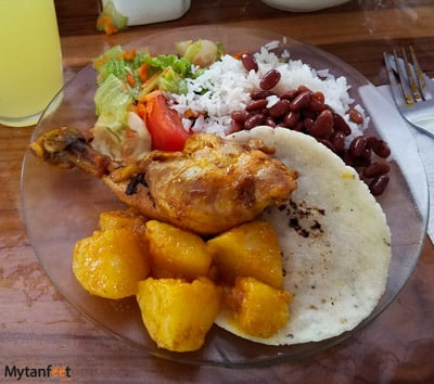 do's and dont's of costa rica - food