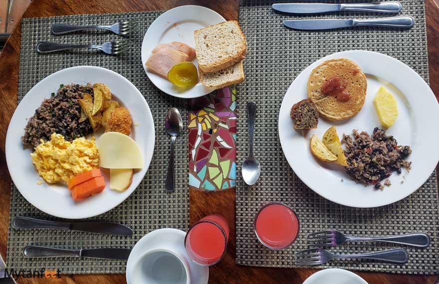 El Silencio Lodge and Spa breakfast