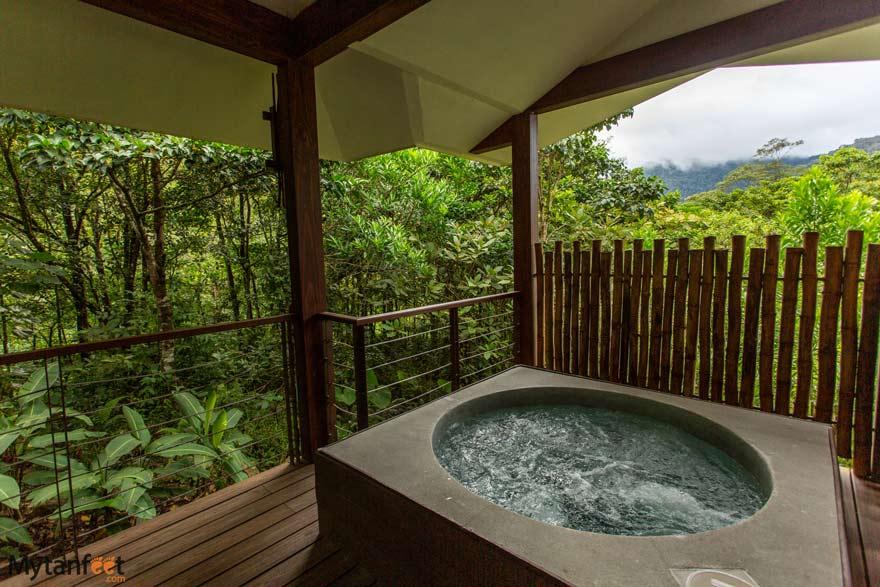 El Silencio Lodge and Spa outdoor whirlpool