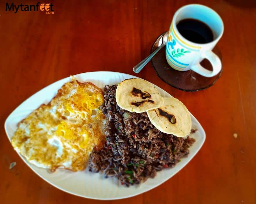 things to do in Costa Rica - eat gallo pinto