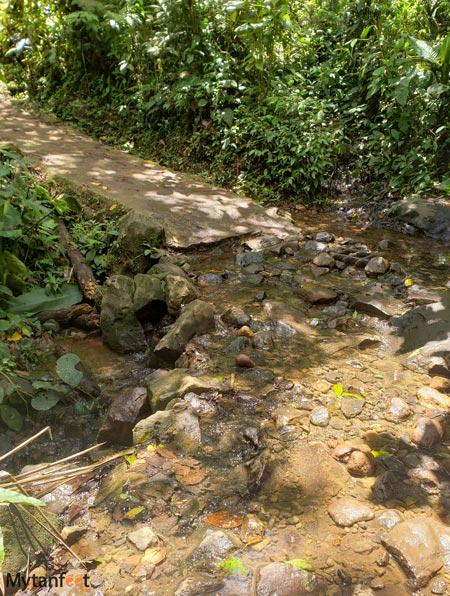 Rio-Celeste trail creek