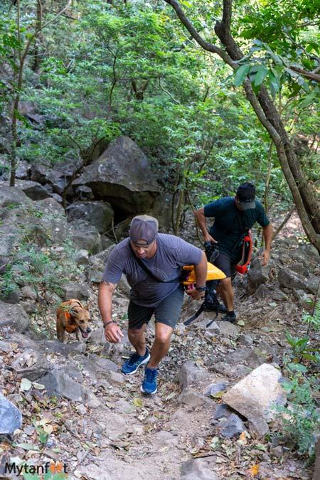 leona waterfall hike