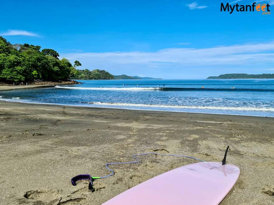 Playa Iguanita surfing