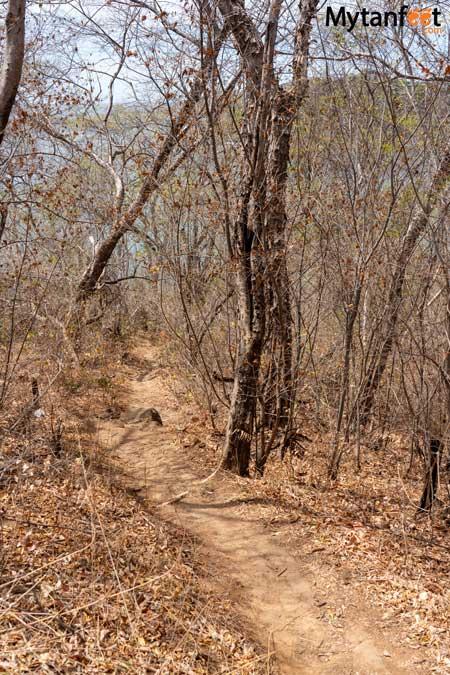 Playa Prieta trail